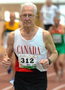 Earl in one of his 800-meter world records.